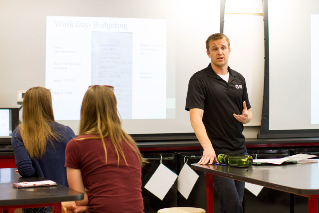 Scott Shrake teaches an EPICS Gold course.